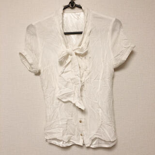 セシルマクビー(CECIL McBEE)のセシルマクビー☆ホワイト シワ加工 ブラウス シャツ(シャツ/ブラウス(半袖/袖なし))