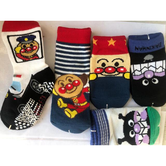 アンパンマン 靴下 子供用 5足セット キッズ/ベビー/マタニティのこども用ファッション小物(靴下/タイツ)の商品写真