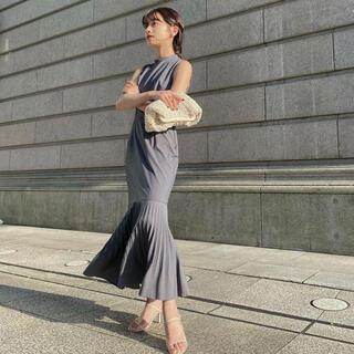 Noble - l'or  Mermaid Pleats Dress