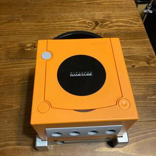ニンテンドーゲームキューブ(ニンテンドーゲームキューブ)のニンテンドーゲームキューブ本体 オレンジ(家庭用ゲーム機本体)