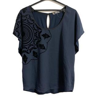 デシグアル(DESIGUAL)のデシグアル 半袖カットソー サイズM美品  -(カットソー(半袖/袖なし))