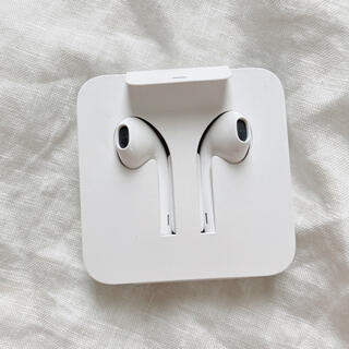 アイフォーン(iPhone)のiPhone  純正イヤホン ライトニング(ヘッドフォン/イヤフォン)