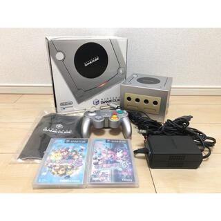 ニンテンドーゲームキューブ(ニンテンドーゲームキューブ)のゲームキューブ本体セット Nintendo GAMECUBE 人気ソフト2本付き(家庭用ゲーム機本体)