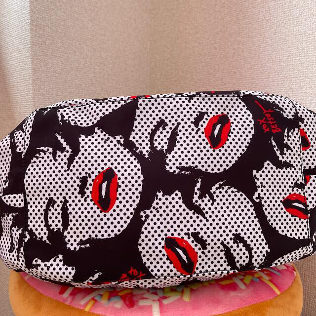 BETSEY JOHNSON(ベッツィジョンソン)のBETSEY JOHNSON  マリリンモンロー柄 レディースのバッグ(ショルダーバッグ)の商品写真