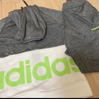 adidas - 未使用アディダスadidas濃グレーパーカーセットアップパンツスエットジャージ