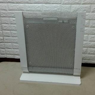 エレクトロラックス(Electrolux)の遠赤外線パネルヒーター EPH912(電気ヒーター)