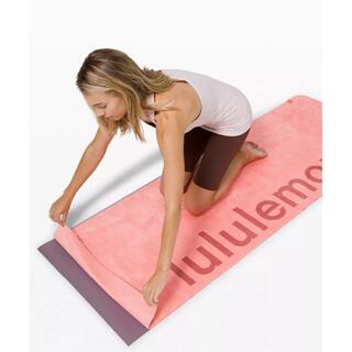 lululemon - lululemon ルルレモン The Towel Big Logo