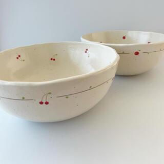 ももぽた ももぽたりー さくらんぼ りんご 丼 織部焼 作家  陶器 手描き 猫