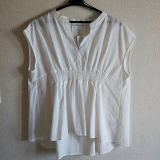 テチチ(Techichi)の新品 テチチ 白のノースリーブフレアーブラウス フリーサイズ(シャツ/ブラウス(半袖/袖なし))