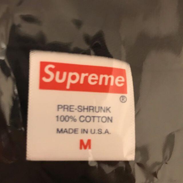 Supreme(シュプリーム)のM supreme KAWS Chalk Logo Tee 黒 メンズのトップス(Tシャツ/カットソー(半袖/袖なし))の商品写真