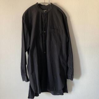 COMOLI - COMOLI (コモリ) バンドカラーシャツ [CHALK ST]