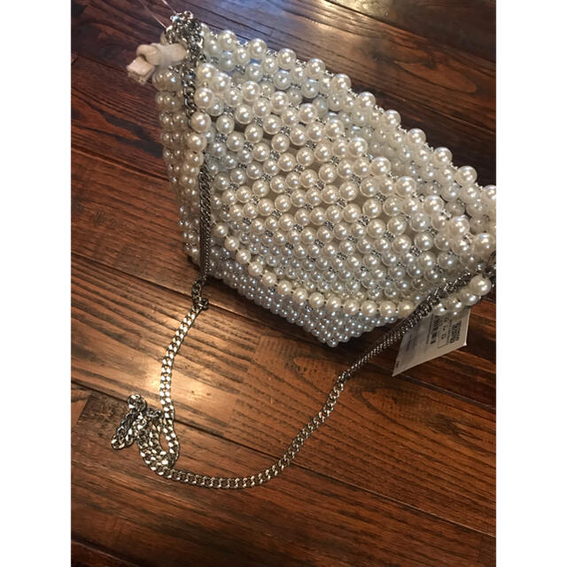 ZARA(ザラ)のzara パール バック レディースのバッグ(ショルダーバッグ)の商品写真