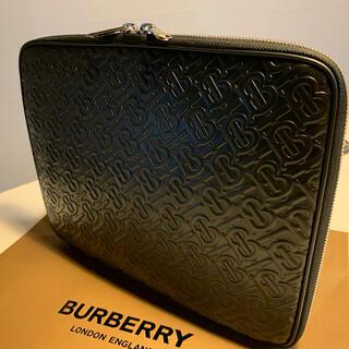 BURBERRY - 美品 バーバリー モノグラム クラッチ PC ケース バッグ レザー ブラック
