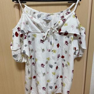 グレイル(GRL)のグレイル 小花柄フリルトップス(カットソー(半袖/袖なし))