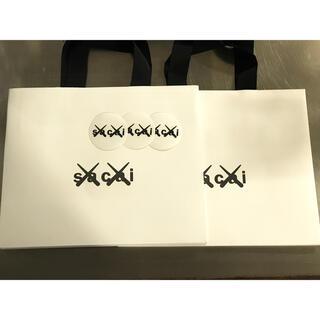 sacai - sacai × KAWS ステッカー3枚とショッパー2枚セット‼️