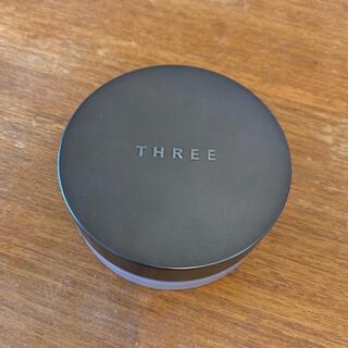 THREE - THREE アドバンスドエシリアルスムースオペレーター ルースパウダー02