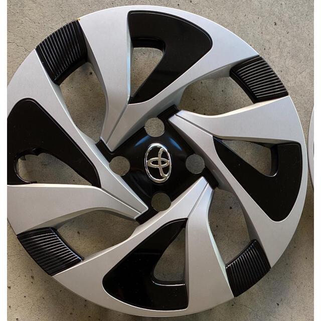 トヨタ(トヨタ)のアクア nhp10 純正 ホイールキャップのみ 4枚セット 自動車/バイクの自動車(ホイール)の商品写真