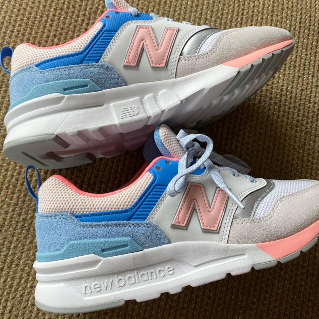 New Balance(ニューバランス)のNew Balance ニューバランス 997h V1 スニーカー 22.5cm レディースの靴/シューズ(スニーカー)の商品写真