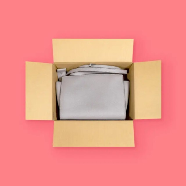60サイズ ダンボール箱 メルカリ公式グッズ 10枚セット インテリア/住まい/日用品のオフィス用品(ラッピング/包装)の商品写真