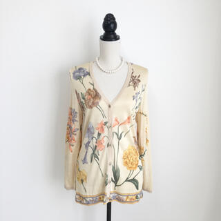 レオナール(LEONARD)の美品 レオナール  LEONARD 最高級シルク ニット カーディガン 花柄(カーディガン)