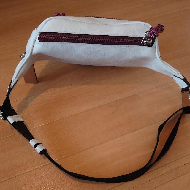 COACH(コーチ)の専用です COACH Disny ミッキー ボディバッグ レディースのバッグ(ボディバッグ/ウエストポーチ)の商品写真