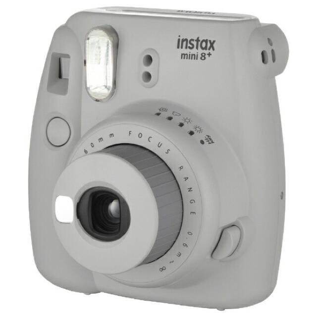 富士フイルム(フジフイルム)の富士フィルム『チェキ』 instax mini 8+ 純正ショルダーストラップ付 スマホ/家電/カメラのカメラ(フィルムカメラ)の商品写真