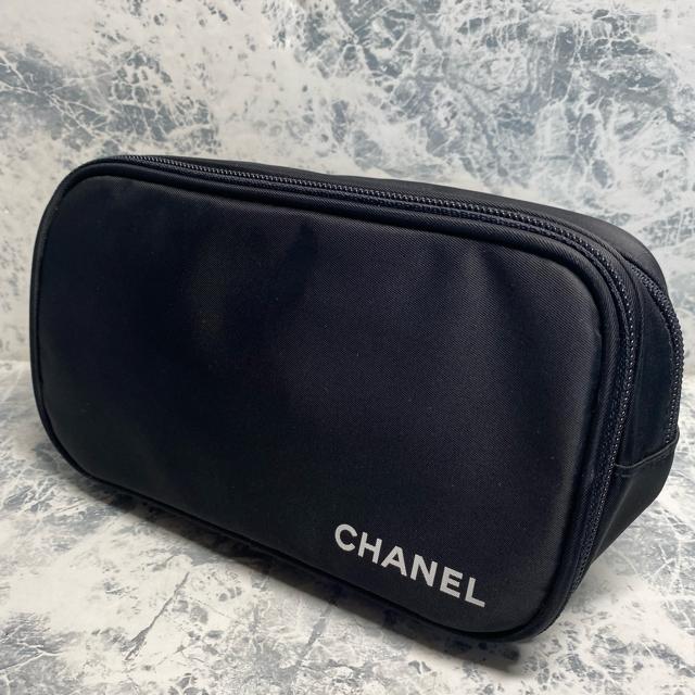 CHANEL(シャネル)の正規/新品未使用/CHANEL/メークアップブラシセット/ポーチ付 コスメ/美容のキット/セット(コフレ/メイクアップセット)の商品写真