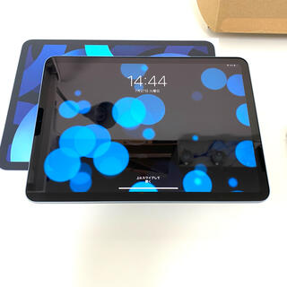Apple - Apple iPad Air4 wi-fi 256GB ケース付き 極美品