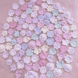 小さなお花のアロマストーン