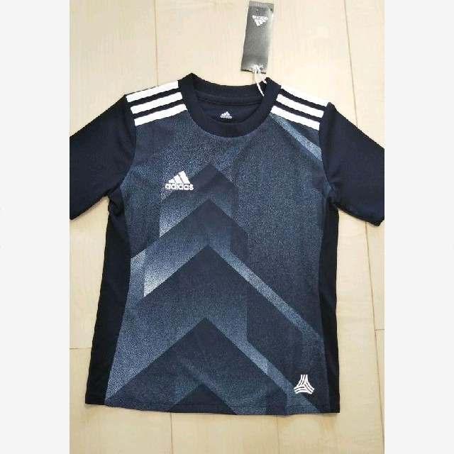 adidas(アディダス)の吸汗速乾!アディダス Tシャツ トレーニングウェア スポーツ/アウトドアのサッカー/フットサル(ウェア)の商品写真