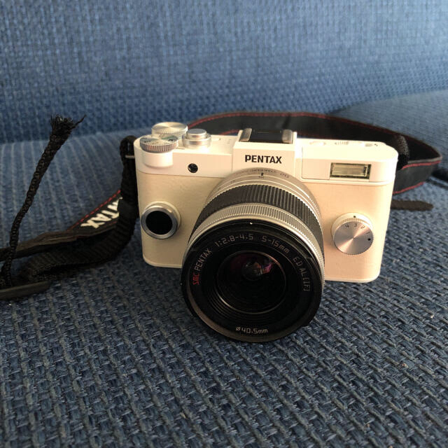 PENTAX(ペンタックス)のPENTAX Q−S1 ボディ ピュアホワイト スマホ/家電/カメラのカメラ(ミラーレス一眼)の商品写真