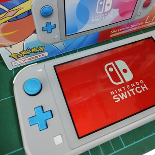 Nintendo Switch Lite ザシアン・ザマゼンタ(携帯用ゲーム機本体)