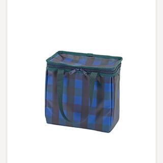 ファミリア(familiar)の新品・タグ付き ファミリア 保冷バッグ Mサイズ 青系チェック(弁当用品)