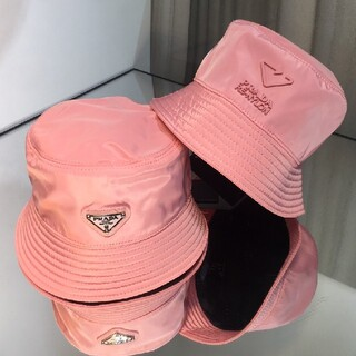 プラダ(PRADA)の人気新品   リバーシブル  プラダ ナイロン ハット 帽子 ピンク#301(ハット)
