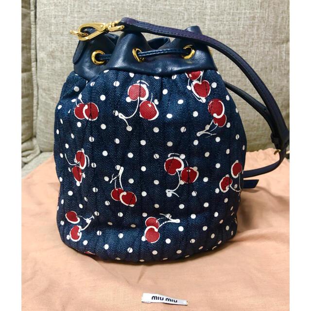 miumiu(ミュウミュウ)のお値下げ!ミュウミュウ ショルダーバッグ レディースのバッグ(ショルダーバッグ)の商品写真