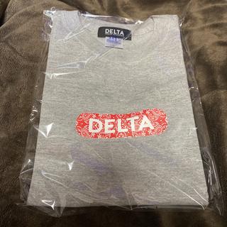 デルタ(DELTA)のLIMITED OFFER DELTA DECK LOGO T GREY×RED(Tシャツ/カットソー(半袖/袖なし))