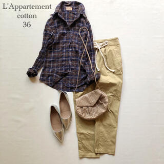 アパルトモンドゥーズィエムクラス(L'Appartement DEUXIEME CLASSE)の513アパルトモンドゥーズィエムクラスワイヤー襟コットンチェックシャツ 36紺茶(シャツ/ブラウス(長袖/七分))