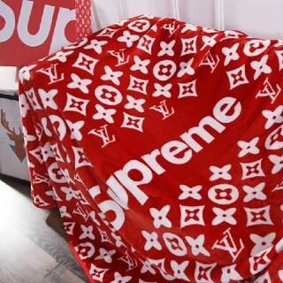 シュプリーム(Supreme)のブランド! 夏の昼寝の絨毯 体を覆う エアコン対応にもOK長さ1.5メートル(毛布)