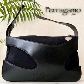 極美品 Ferragamo フェラガモ レザーショルダーバッグ