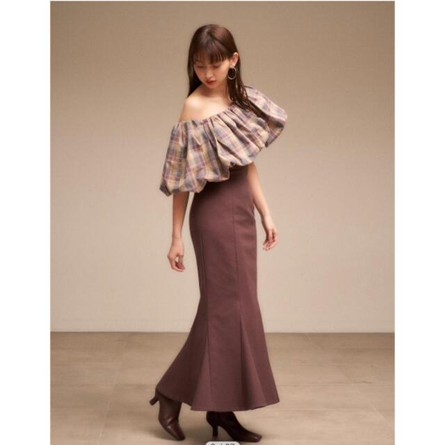 snidel(スナイデル)のSNIDEL ハイウエストタイトヘムフレアスカート レディースのスカート(ロングスカート)の商品写真