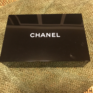 CHANEL - CHANEL シャネル ノベルティ ミラー付きBOX 黒 新品未使用