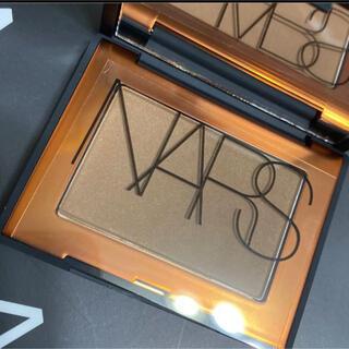 ナーズ(NARS)の新品未使用 NARS  ナーズ ブロンズパウダー 5172 ブラウン ミニサイズ(フェイスカラー)