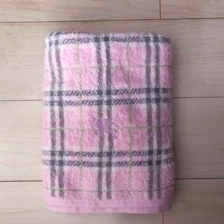 BURBERRY - バーバリー 新品未使用 バスタオル 人気のピンク