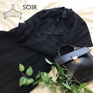 ソワール(SOIR)の美品 SOIR 高級 ブラックフォーマル リボンタイ 半袖 プリーツ ワンピース(礼服/喪服)
