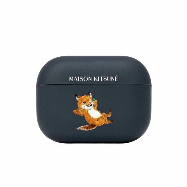 MAISON KITSUNE'(メゾンキツネ)のメゾンキツネ Chillax Fox AirPods Proケース スマホ/家電/カメラのスマホアクセサリー(モバイルケース/カバー)の商品写真