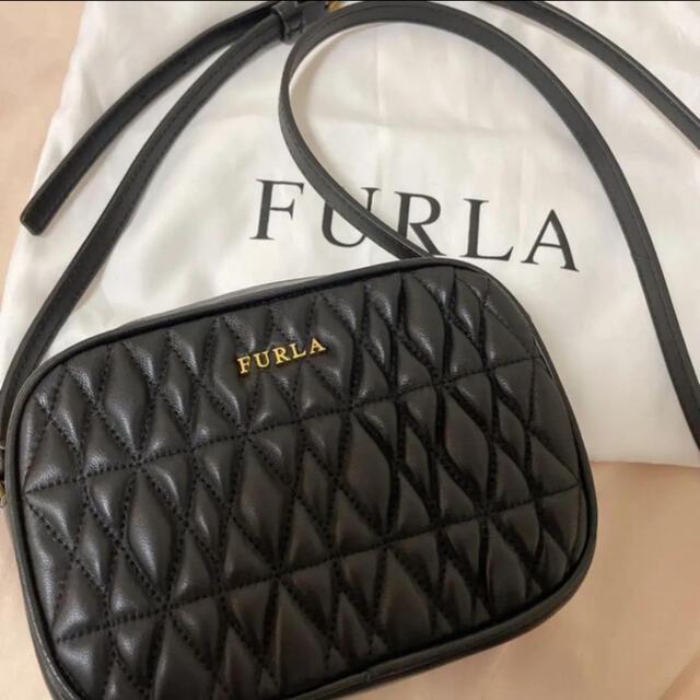 Furla(フルラ)のFURLA キルティングショルダーバッグ ブラック レディースのバッグ(ショルダーバッグ)の商品写真