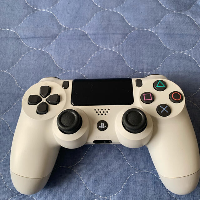 PlayStation4(プレイステーション4)のSONY PlayStation4 CUH-7200BB02 エンタメ/ホビーのゲームソフト/ゲーム機本体(家庭用ゲーム機本体)の商品写真