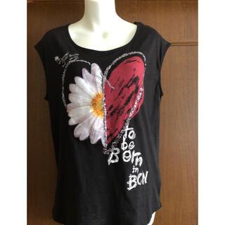 デシグアル(DESIGUAL)のデシグアルの花柄カットソー(未使用品)黒(カットソー(半袖/袖なし))