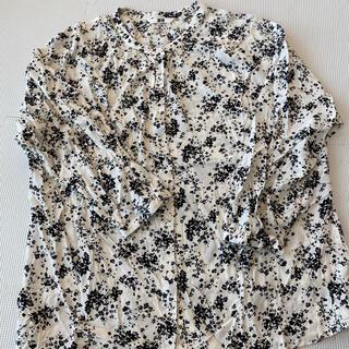 UNIQLO - UNIQLO  花柄 シャツ