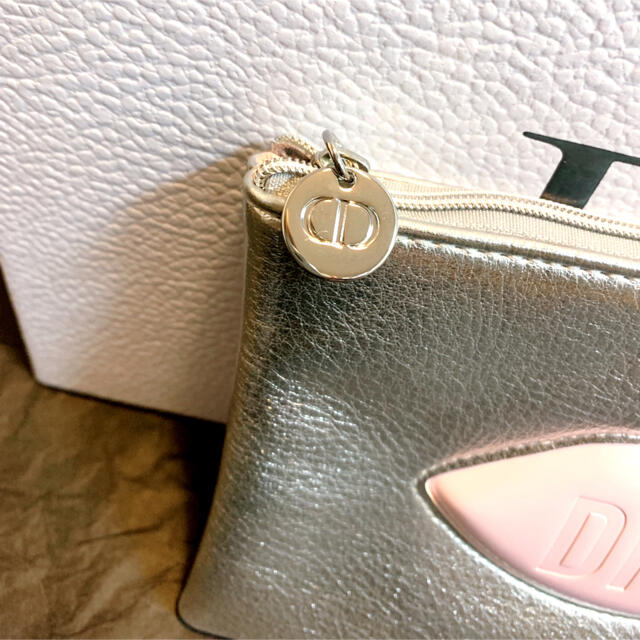 Dior(ディオール)のディオール ノベルティ ポーチ シルバー フラットポーチ 箱なし レディースのファッション小物(ポーチ)の商品写真
